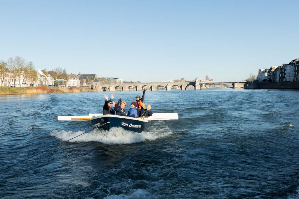 Sloeproeien Maastricht in de Van Ommeren
